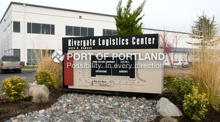 Rivergate Industrial District is a Port-owned 2,800-acre industrial park located on Portland´s deep draft ocean shipping channel. Located at the confluence of roads, rivers and rail just 9 miles north of downtown, it is a prime site for marine terminal, import distribution warehouse and transload facilities.