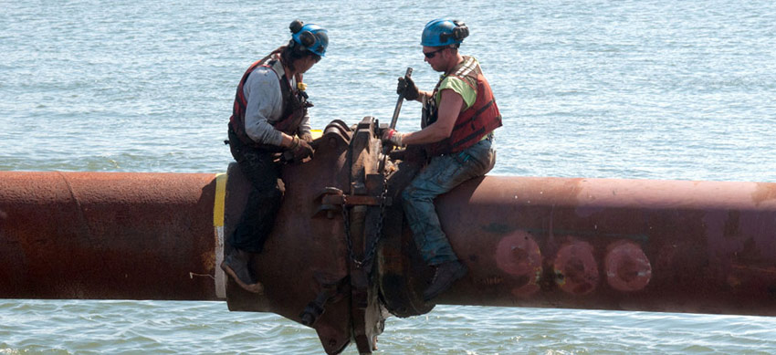 dredge crew image gallery